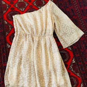 Dresses & Skirts - GUESS Dress